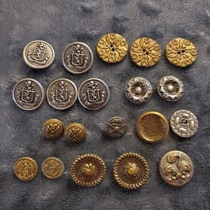 lot of 20 vintage buttons